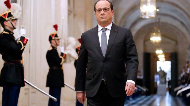 francois-hollande-arrive-a-versailles-pour-un-discours-face-au-congres-le-16-novembre-2015_5464406 - lexpress