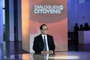 francois-hollande-jeudi-soir-sur-france-2-sur-le-plateau-de-l-emission-quot-dialogues-citoyens-quot-photo-afp-1460704311